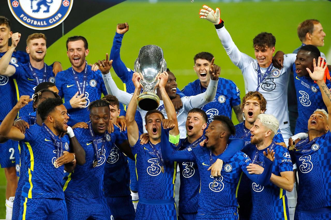 Los jugadores del Chelsea animan