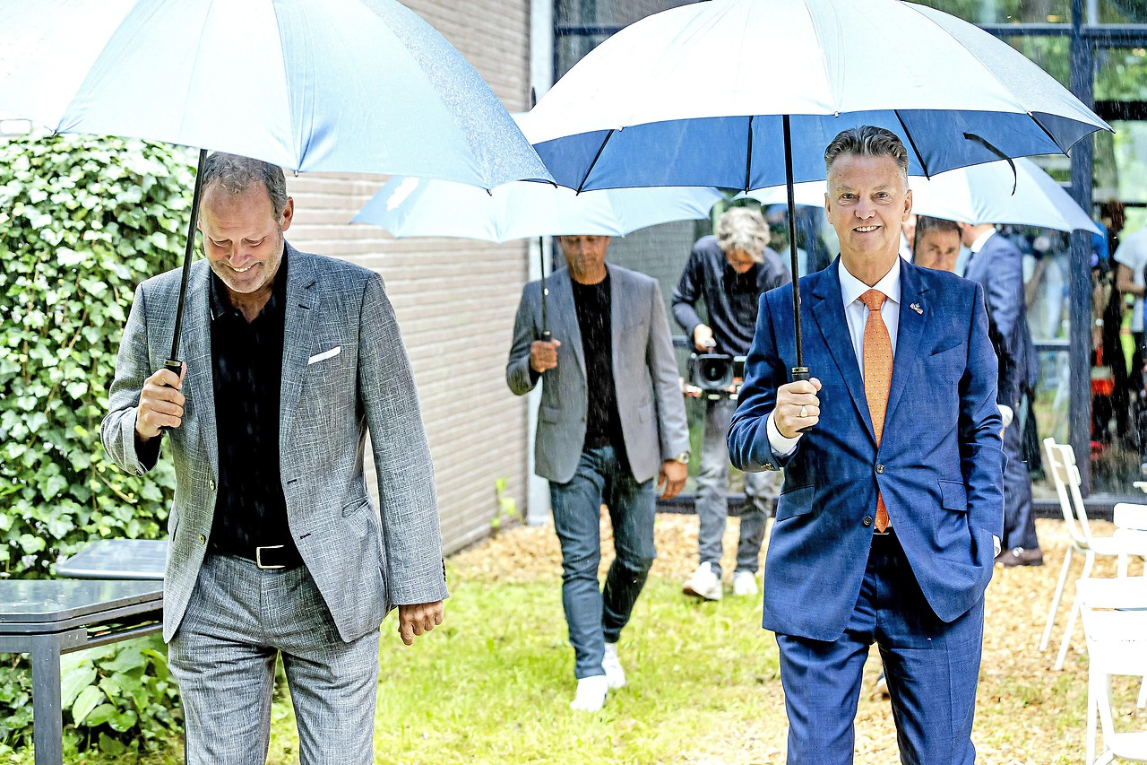 Nederlandse coach Louis van Gaal en coach Danny Blind