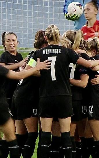 Österreichische Spielerinnen jubeln