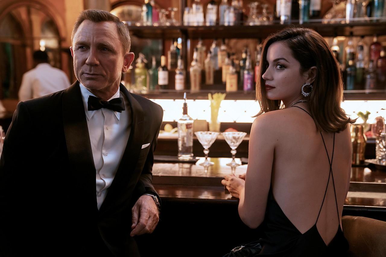 """Keine Zeit zu sterben"""": Daniel Craig feiert lauten Bond-Abschied -  news.ORF.at"""