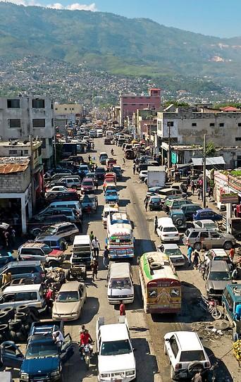 Straße im Zentrum der haitianischen Hauptstadt Port-au-Prince