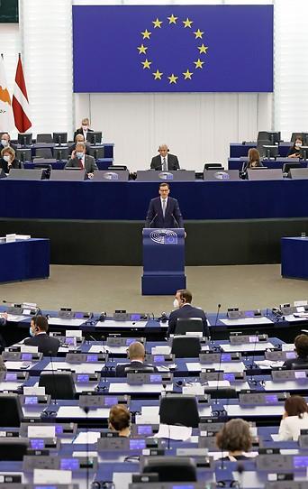Polens Premier Mateusz Morawiecki im EU-Parlament in Strasbourg