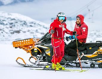 Nicole Schmidhofer und Christian Mitter im Rahmen eines Trainings am Tiefenbachgletscher in Sölden