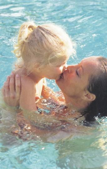 Romy Schneider mit ihrer kleinen Tochter Sarah Biasini